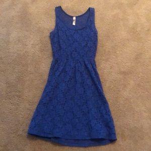 Dresses & Skirts - Super cute floral blue dress
